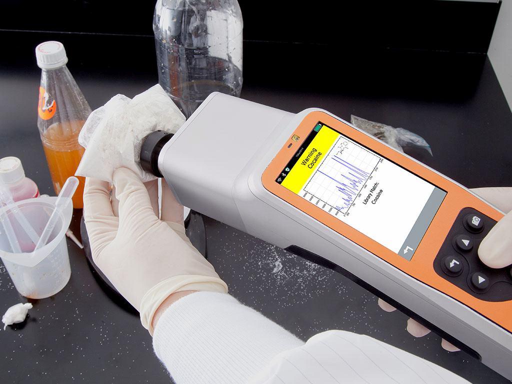 spektrometr ramana